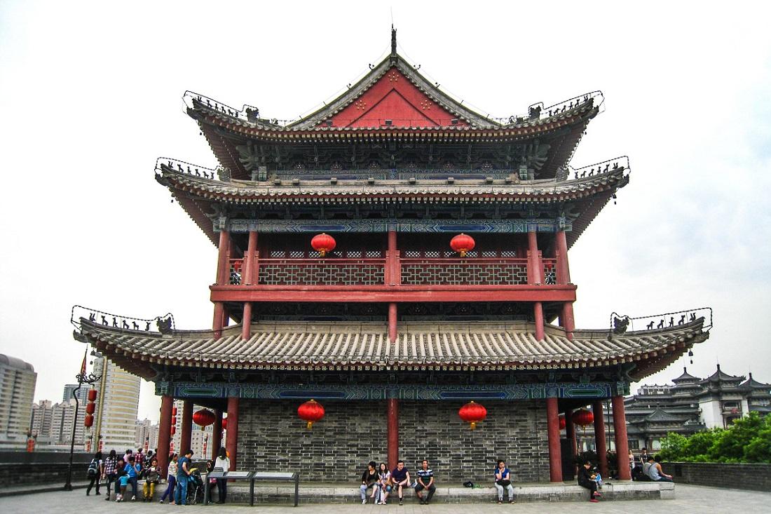 Люстры фото для спальни китайские арсенале есть